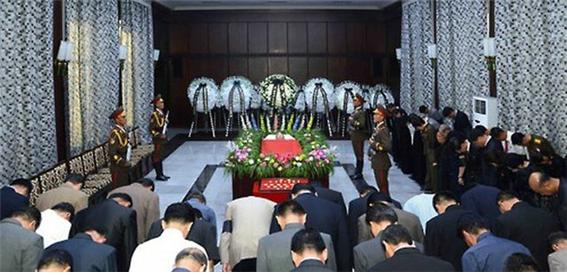 강석주장례식.png