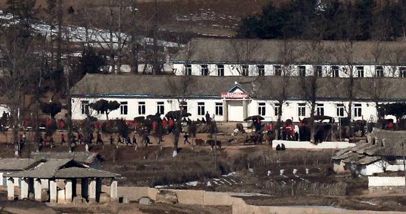 김봉규 북한 사진.jpg