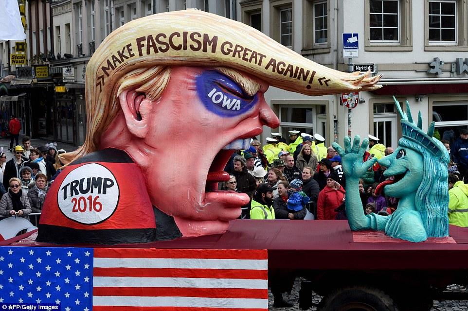 트럼프 파시즘.jpg