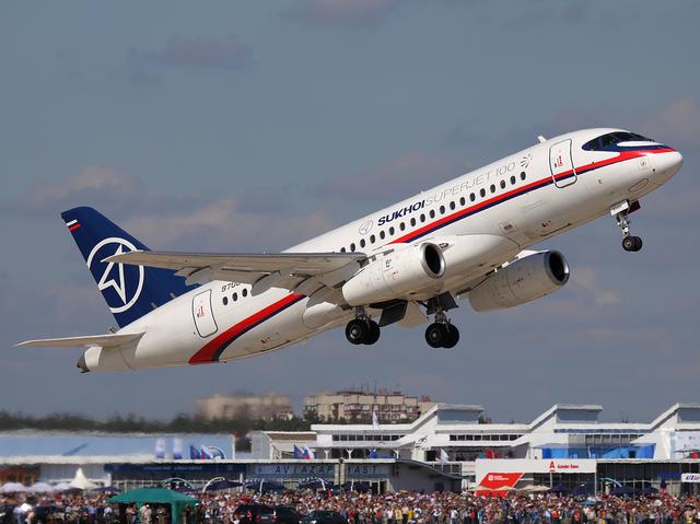 Sukhoi_Superjet_100_.png