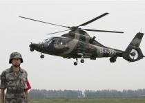 중국 헬기부대 대문 열고
