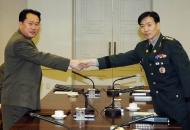 '드라이함'과 '선정성'...남북한군 보도자료 탐구생활